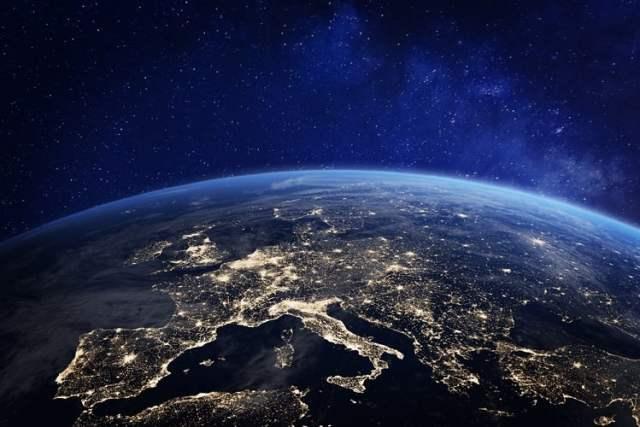 Weltordnung (Symbolbild: shutterstock.com/N Von NicoElNino)