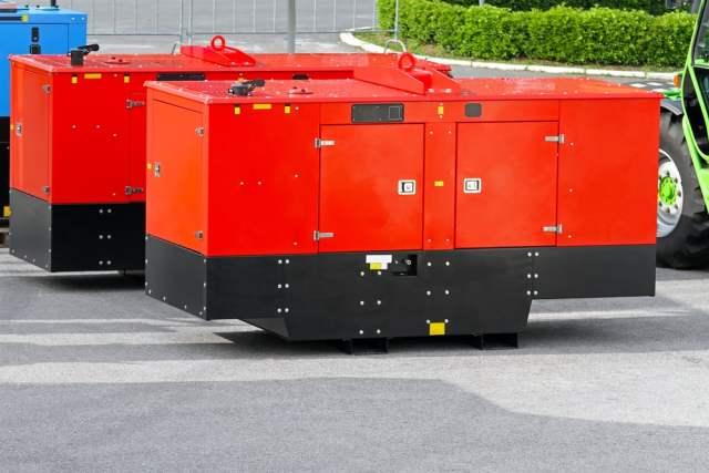 Dieselgenerator (Bild: shutterstock.com/ Von Baloncici)