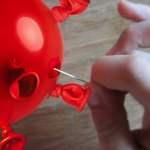 Mit einer Nadel das Virus zum Platzen bringen; Bild: Collage