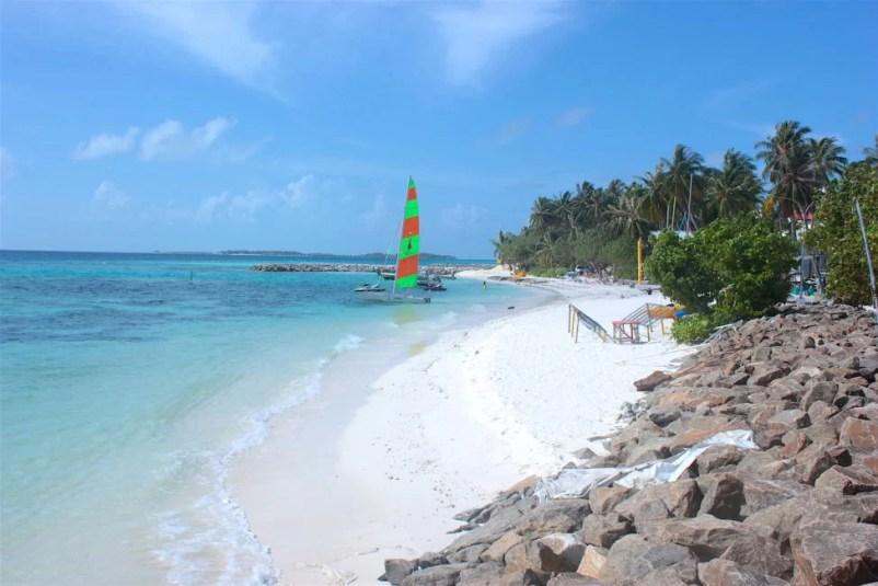 maafushi-maldives-budget-travel
