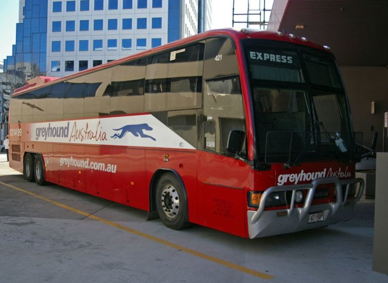solo travel in australia - buses