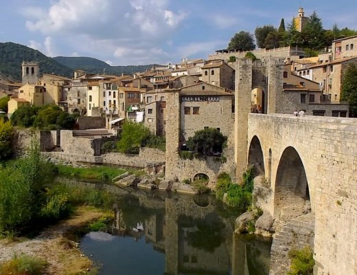 besalu spain bridge