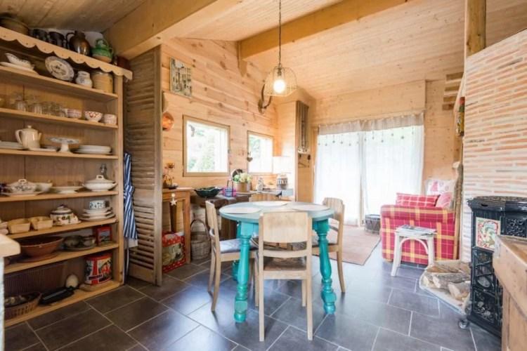garden airbnb lake annecy