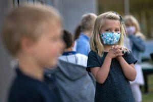 Canicule: les élèves ne porteront plus le masque dès demain