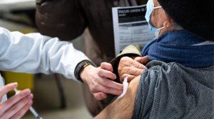 «Sans vaccin, pas de retour à la vie normale», dit le Dr Karl Weiss