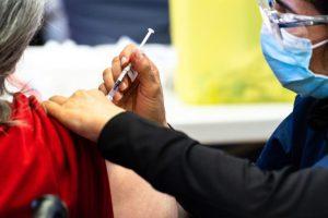 Une première dose du vaccin Pfizer sans rendez-vous au Stade olympique