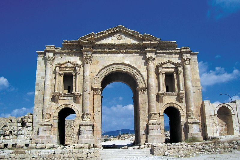 Античная арка в Герасе