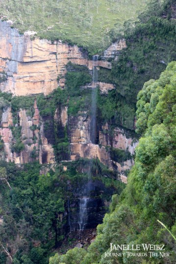 blue-mountains-waterfall
