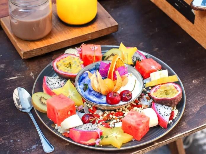 fruit platter breakfast