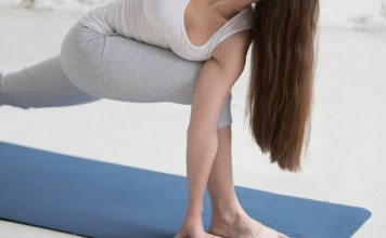 The are great benefits of twists in yoga, but also reasons why some people should not do them!