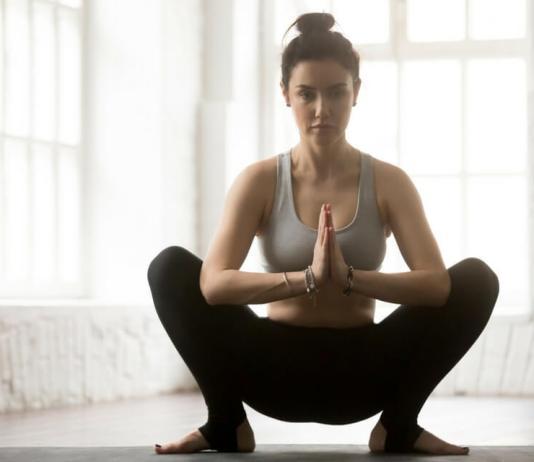 Check out the many amazing malasana yoga pose benefits!