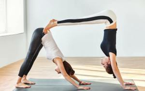 6 fun partner yoga poses to try today  journeys of yoga