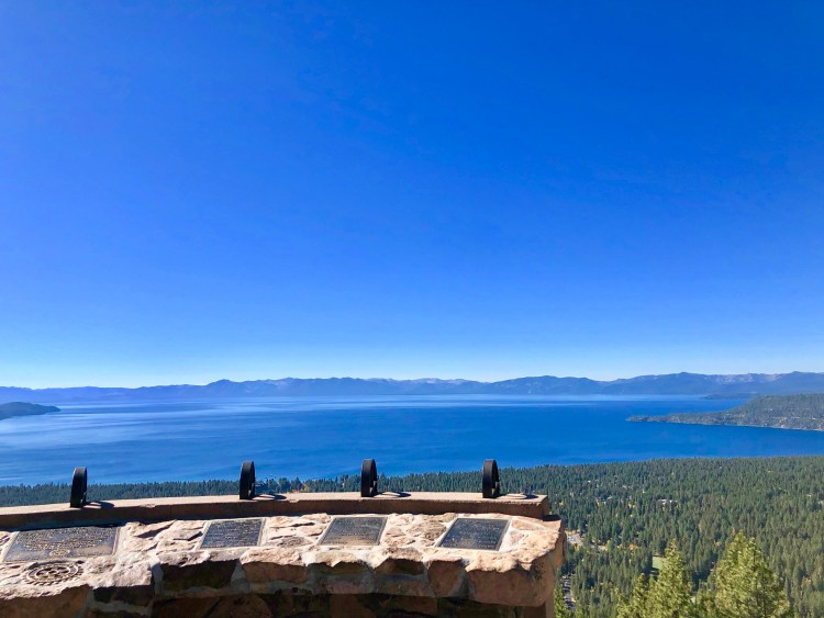 VIEW LAKE TAHOE , NEVADA