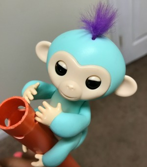 Fingerlings Toy Review: Go Bananas with Baby Monkeys