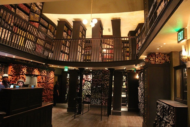 The Wizarding World Of Harry Potter in Osaka  |Harry Potter Ollivanders Wand Shop