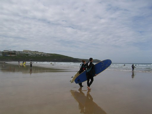 surfing destinations fistral beach cornwall