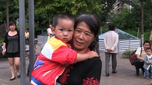 lrmother and child1