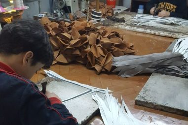 Syrian children working in sweatshops in Istanbul