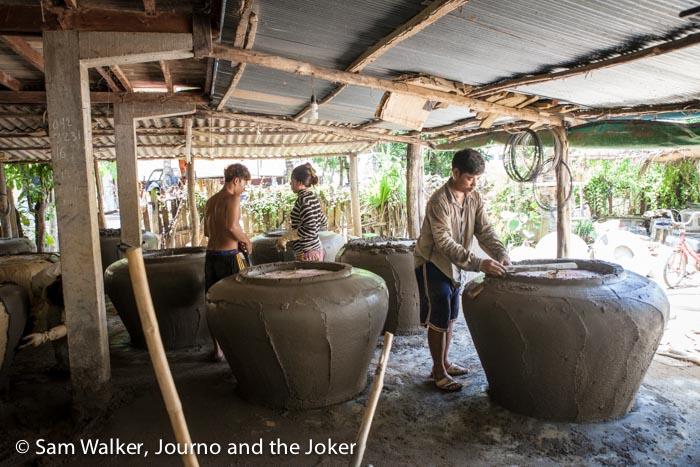 Making concrete pots