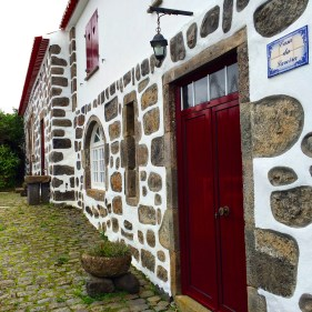 Charming entrance in the traditional Azorean style, using volcanic stone and plaster.