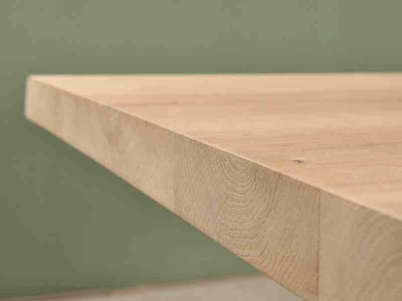 Detail foto van eikenhouten salontafel