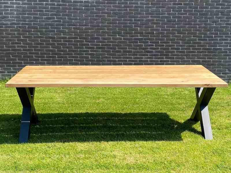 Eiken buiten tafel