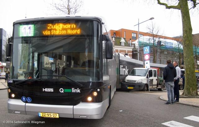 Aanrijding werkauto met Q-bus-3421