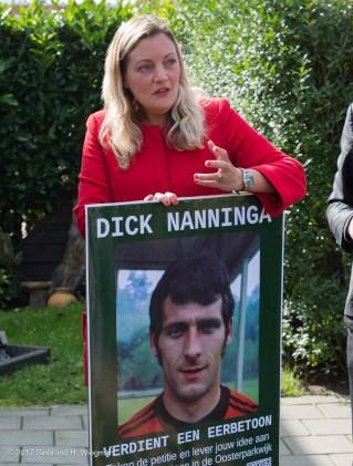eerbetoon aan voetbalheld Dick Nanninga-9053