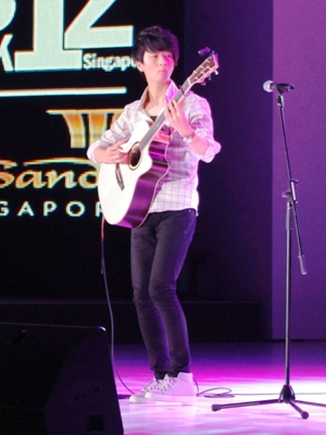 Sungha Jung's Performance at Men's Fashion Week 2012