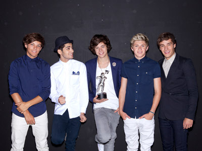One Direction and one moon man