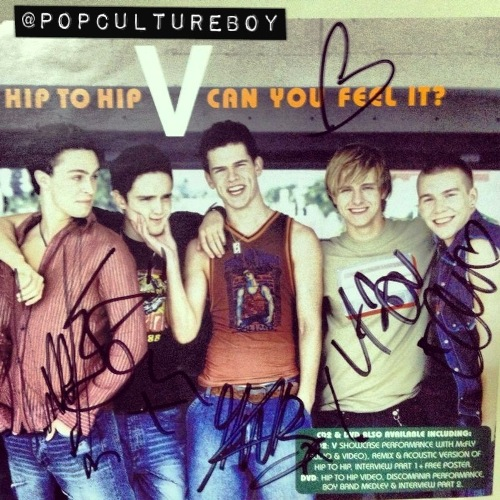 Real V signed single (© @PopCultureBoy)