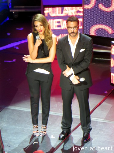 Jessica Alba and Jeremy Piven as hosts for the Social Star Awards 2013