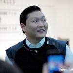 Psy at the Social Star Awards 2013 press conference