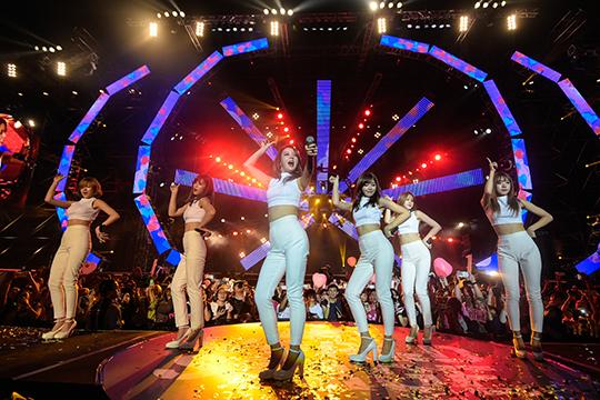 Apink @ MTV World Stage Malaysia 2015 (© MTV Asia & Kristian Dowling)