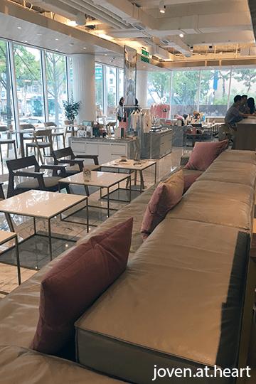 Celebrity SUM Café