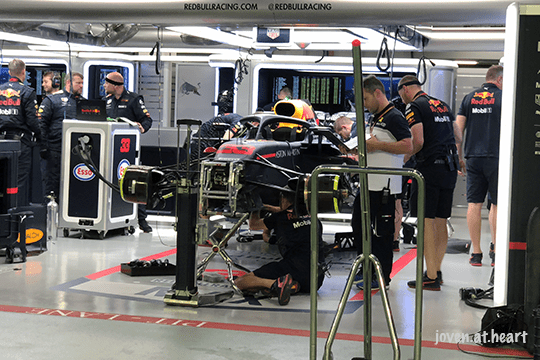 2018 Formula 1 Singapore Airlines Singapore Grand Prix (Saturday) - Red Bull Racing Garage