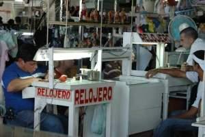 http://www.radioangulo.cu/noticias/cuba/18515-cuentapropistas-recibiran-asesorias-con-especialistas-en-finanzas-y-marketing.html