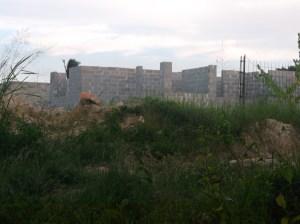 Construcción de edificios biplantas a 80 mts de casa Vladimir