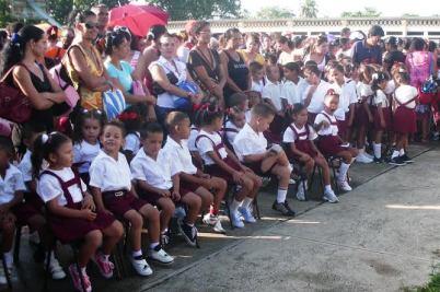 Autor: Lázaro David Najarro Pujol, Camagüey, Cuba. Niños de una escuela en la ciudad de Camagüey.