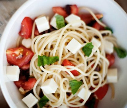 Spaghetti with Tomatoes, Basil, Olives, and Fresh Mozzarella
