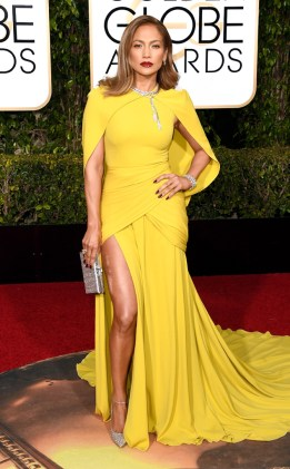 Jennifer Lopez in Giambattista Valli