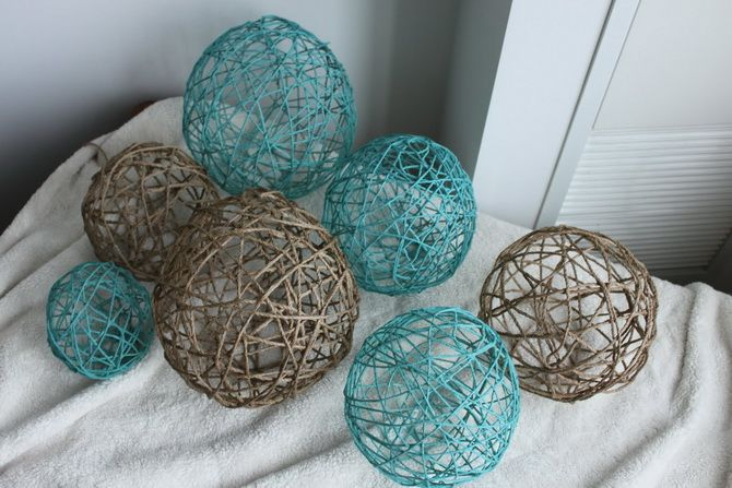 Juldekorationsbollar från trådar