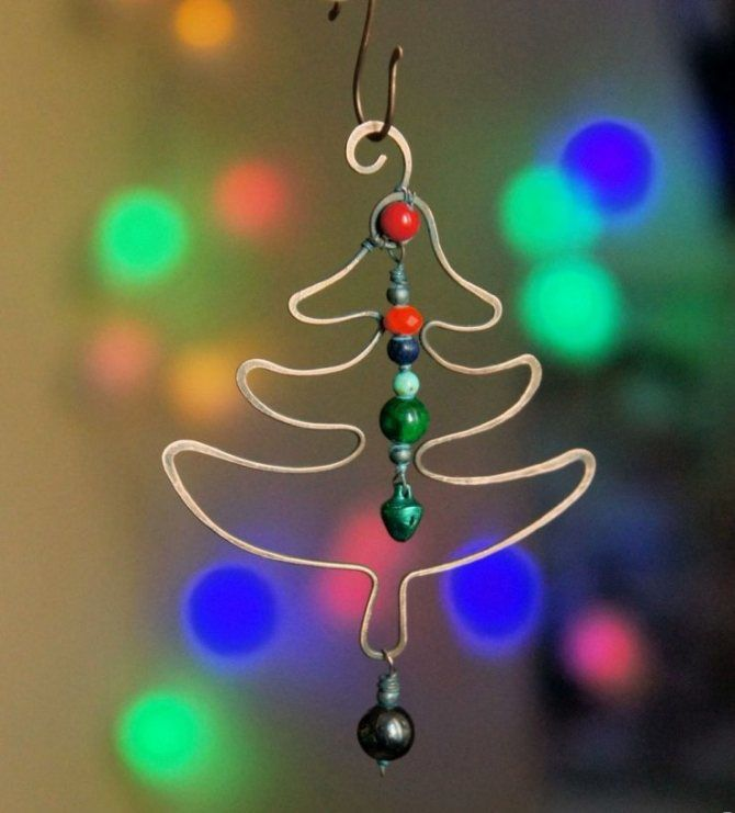 Cum să faci un copac de Crăciun de sârmă neobișnuit pentru Anul Nou 2021: idei cool cu fotografie 17