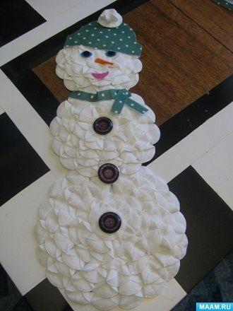 Мақта дискілерінен снеговикті қалай жасауға болады - ең жақсы жаңа жылдық қолөнер 5