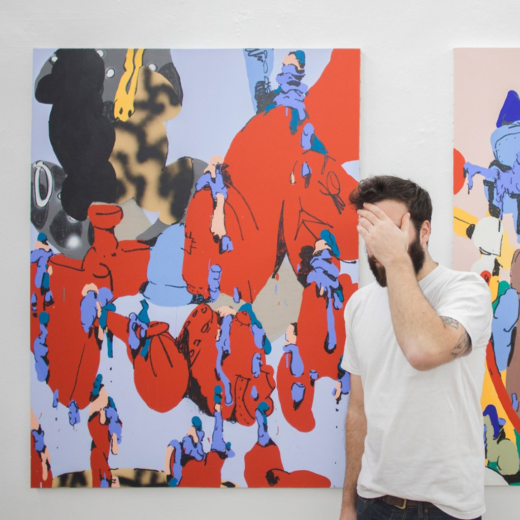 artiste français Antwan Horfee devant une oeuvre