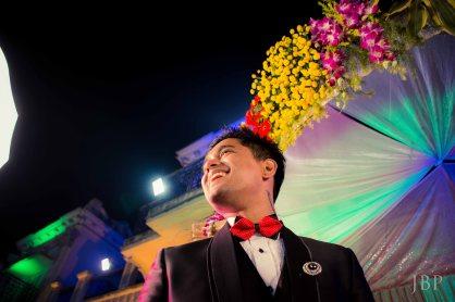 Candid Wedding Portrait of Groom in Bengali Wedding in Kolkata