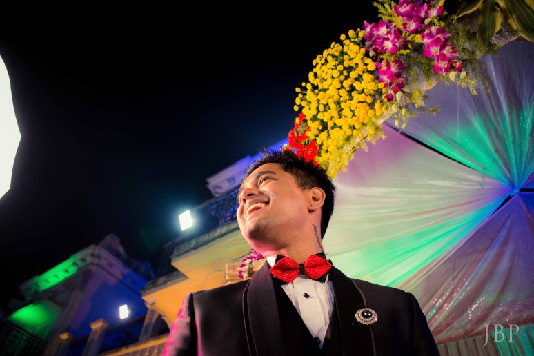 Candid Wedding Portrait of Groom in Bengali Wedding in Kolkata