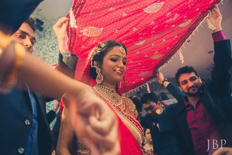 Candid Wedding Photographer in Kolkata | Specialised in Destination Bengali Weddings