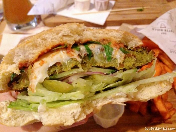 Falafel Burger at Der Fette Bulle Frankfurt
