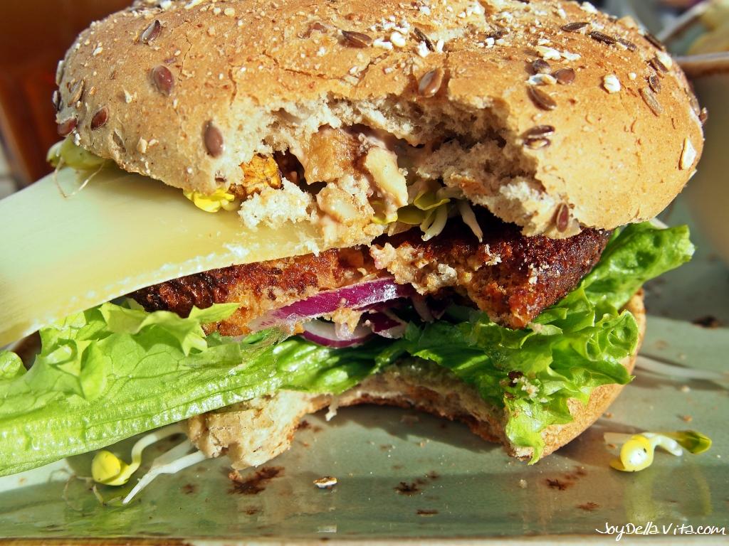 Burger In Stuttgart veggie burger wurzelsepp at hans im glück stuttgart
